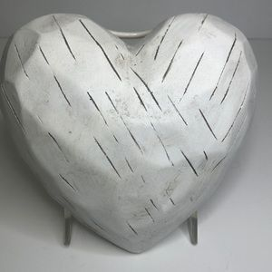 Pier1 Distressed Heart NWT